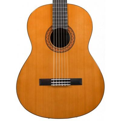 Классическая гитара Yamaha C40 в салоне Минотавр